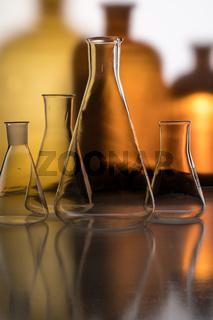 Pharmazeutische Glasgefäße im Labor