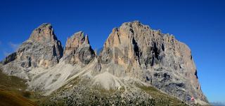Langkofelgruppe am Sellajoch in den Dolomiten, Suedtirol, Italien