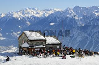 Schutzhütte Les Violettes des Schweizer Alpenclubs in den Walliser Bergen