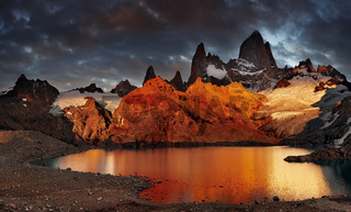 Laguna de Los Tres and mount Fitz Roy