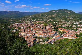 Lodeve in Herault, Frankreich - the town Lodeve, Herault, Languedoc-Roussillon in France