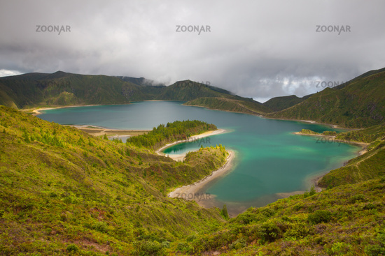 Caldera Lago di Fogo - lake on Azores Islands