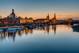 Die Altstadt von Dresden bei Sonnenuntergang
