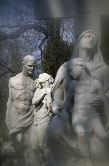 Cemetery sculpture