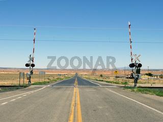 Bahnübergang - Railroad Crossing