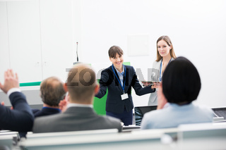 Präsentation und Diskussion in einem Workshop