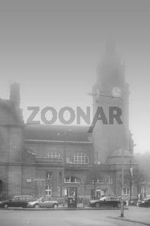 Wiesbaden Hauptbahnhof im Nebel
