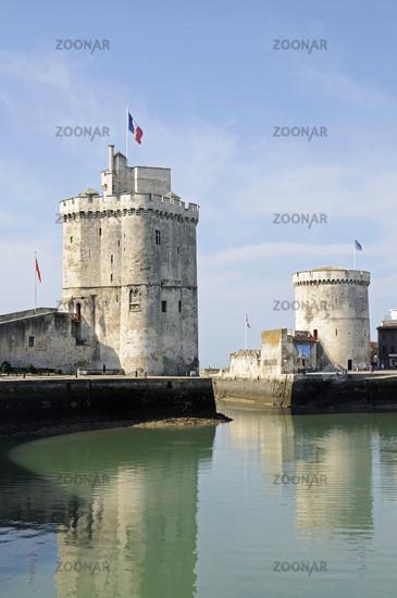 Tour Saint Nicolas and Tour de la Chaine