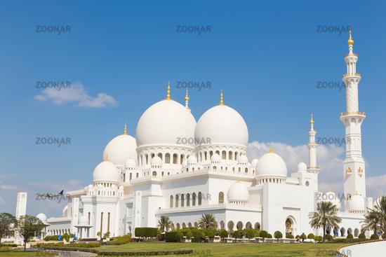Sheikh Zayed Grand Mosque, Abu Dhabi, United Arab Emirates.