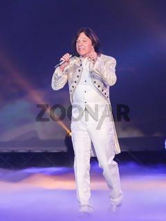 Sänger Jürgen Drews in der ARD TV-Show Schlager Countdown in Oldenburg am 25.03.2017