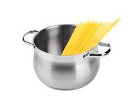 Spaghetti in pan