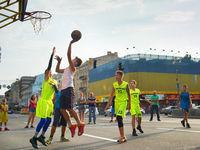 Streetball players