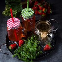 rhubarb-strawberry-lemonade