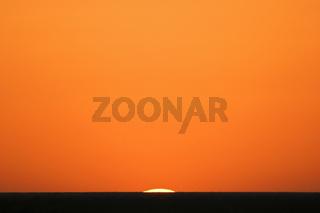 Sonnenuntergang, Etosha-Nationalpark, Namibia, Afrika, Etosha National Park at sunset, Africa