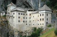 Burg Predjama bei Postojna