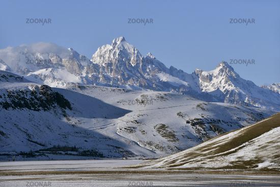 National Elk Refuge in winter... Grand Teton Range *Wyoming, USA*