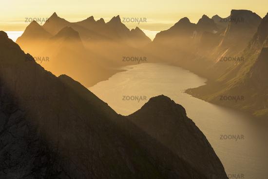 Evening mood, Kjerkfjorden, Moskenesoeya, Lofoten, Norway