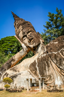 Statue of Reclining Buddha