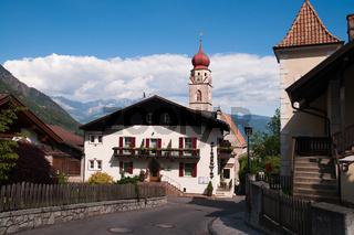 Dorf Partschins in Südtirol