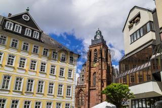 Wetzlarer Dom (Mitte) in der Altstadt von Wetzlar, Hessen, Deutschland