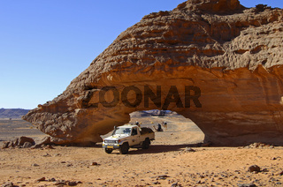 Felsbogen im Akakus-Gebirge, Sahara, Libyen