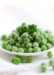 frische gefrorene Erbsen / fresh frozen peas