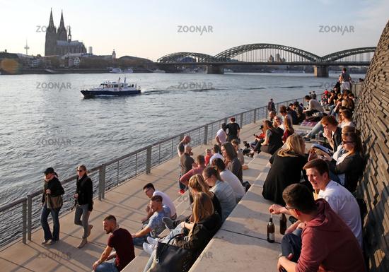 pedestrians at the Rhine boulevard, Cologne, Rhineland, North Rhine-Westphalia, Germany, Europe