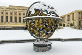 Himmelskugel Woodrow Wilson Memorial Sphere, Vereinte Nationen, im Winter, Genf, Schweiz