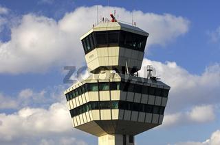 Kontrollturm am Flughafen Otto Lilienthal