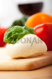 Mozzarella und Basilikum