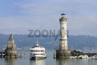 Lindau Hafeneinfahrt, Lindau Harbour, Germany