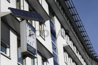 solarbetriebene Uhr