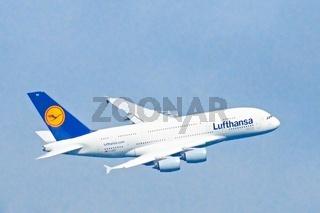 Airbus A380-800 bein Landeanflug