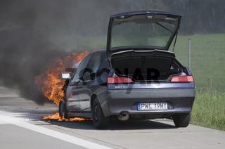 Auto brennt