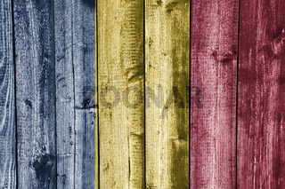 Fahne des Tschad auf verwittertem Holz - Flag of Chad on weathered wood