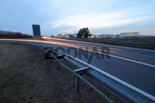Autobahn nach Schweinfurt bei Dämmerung