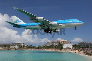 KLM Boeing 747-400 Flugzeug Landung Flughafen St. Maarten
