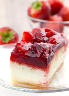 Erdbeer-Sahne-Kuchen / strawberry cream cake