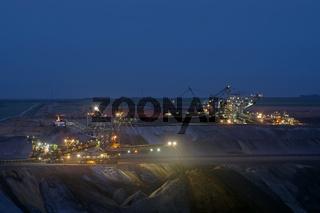 2 Absetzer im Tagebau