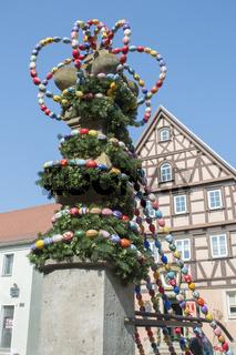 Dekorierter Osterbrunnen in Langenburg an der Jagst