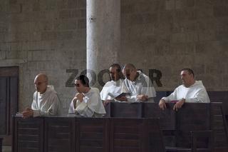 Moenche beim Gebet, Toscana, Italy