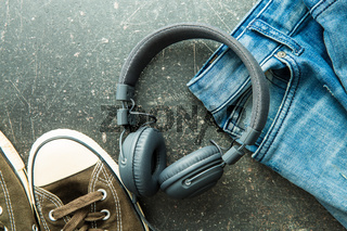 Headphones and blue jeans.
