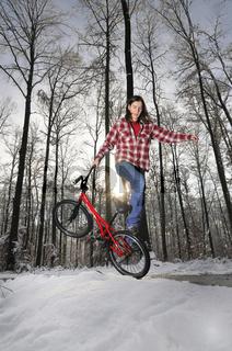BMX Flatland im Winter bei Schnee Monika Hinz