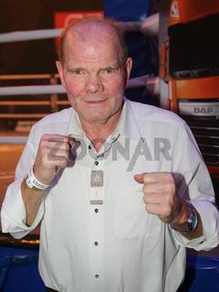 ehemaliger deutscher Box Europameister im Schwergewicht Jürgen Blin SES-Boxing Gala 4.2.17 Magdeburg