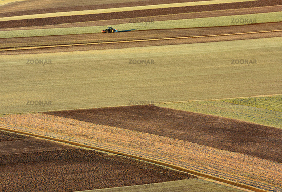 Traktor; Field; tractor; ploughing; agrarian surfaces;