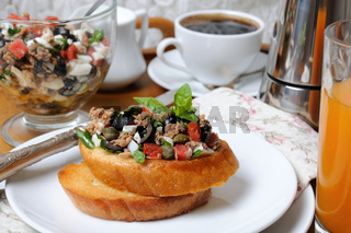 Breakfast with croutons and coffee