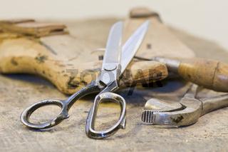 Schuhmacher Werkzeug Shoemaker work tool