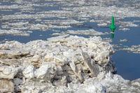 Ice drift on the Elbe