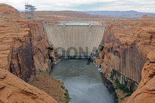 Glen Canyon Damm am Lake Powell, Arizona, USA