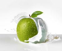 green apple splash in milk